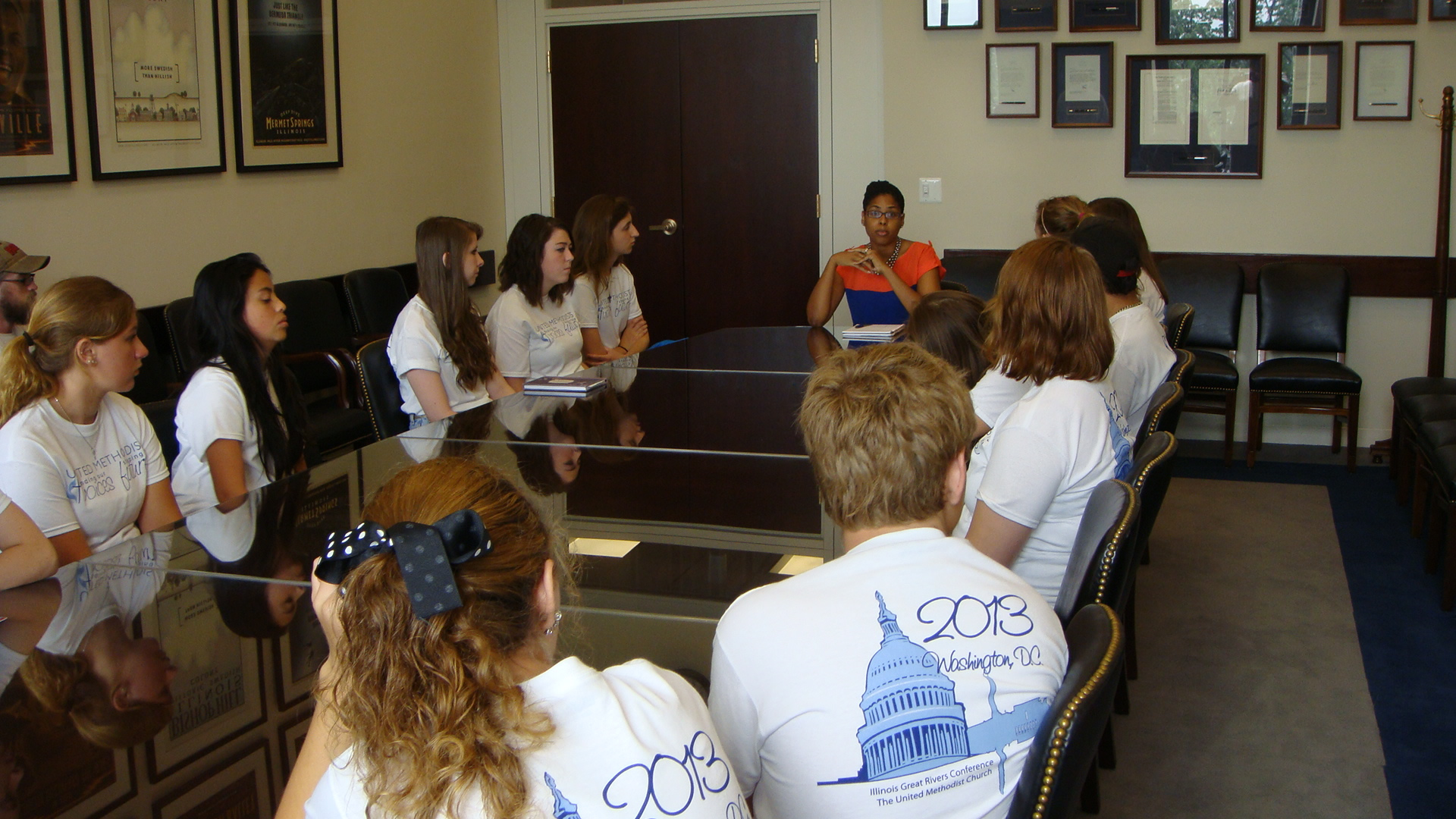 IGRC youth delegation in Senator Dick Durbin's office