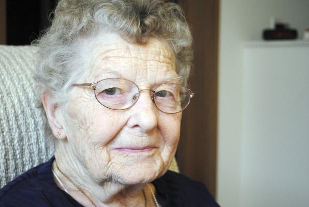 Elizabeth Montgomery alive