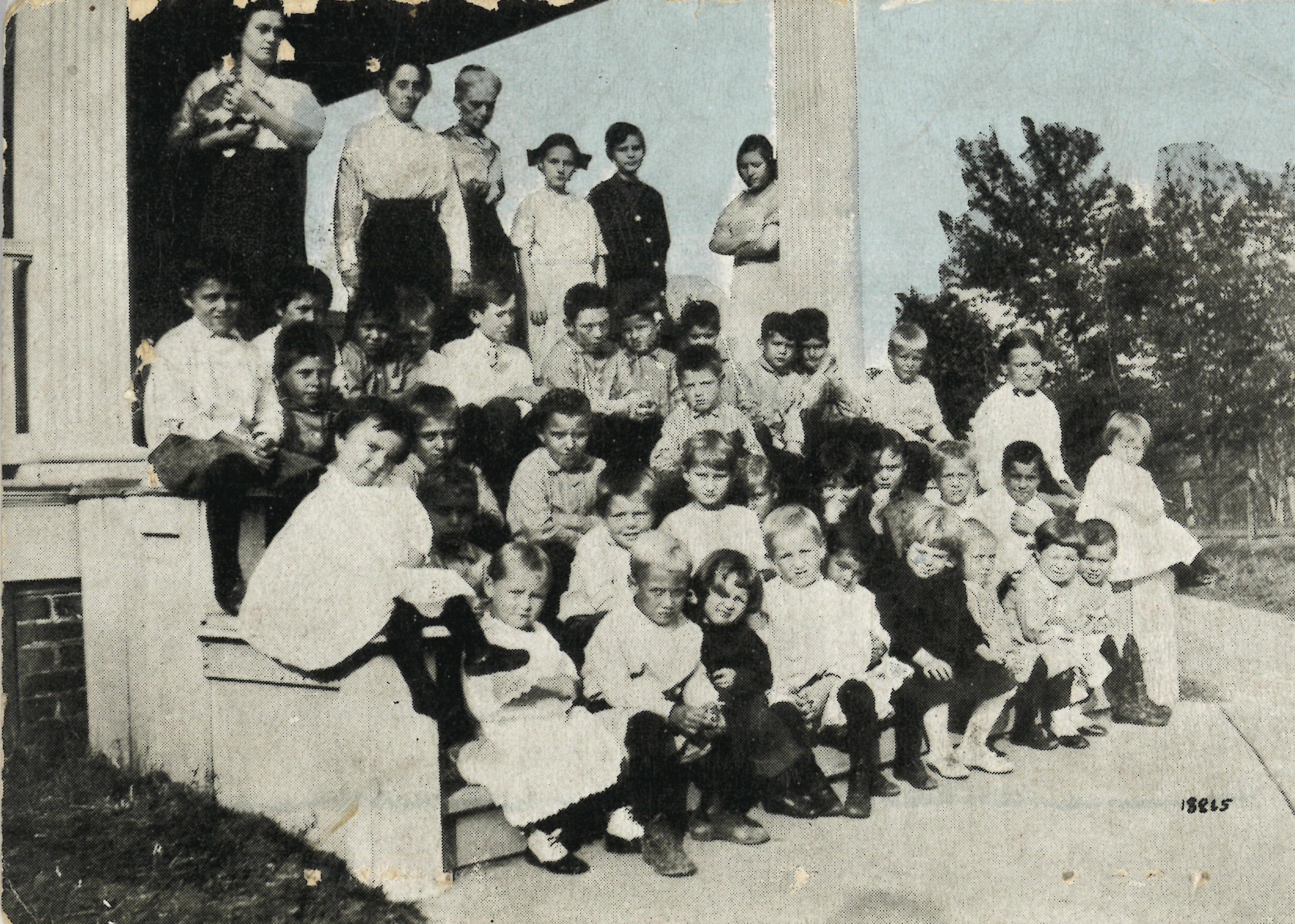 Children of the Orphans' and Children's Home circa 1920